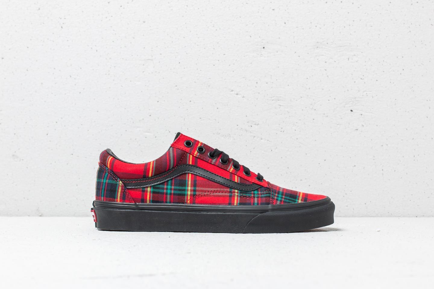 7d8bbb9ed5 Vans Old Skool (Plaid Mix) Red  Black at a great price 86 €