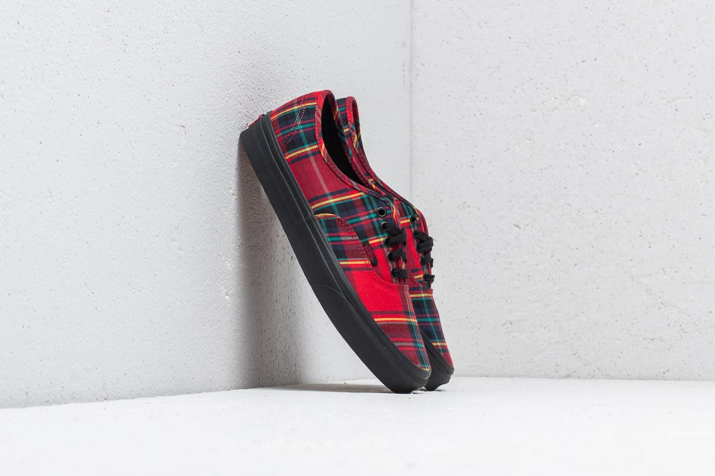 88d6bd14348b Vans Authentic (Plaid Mix) Red  Black at a great price 76 € buy