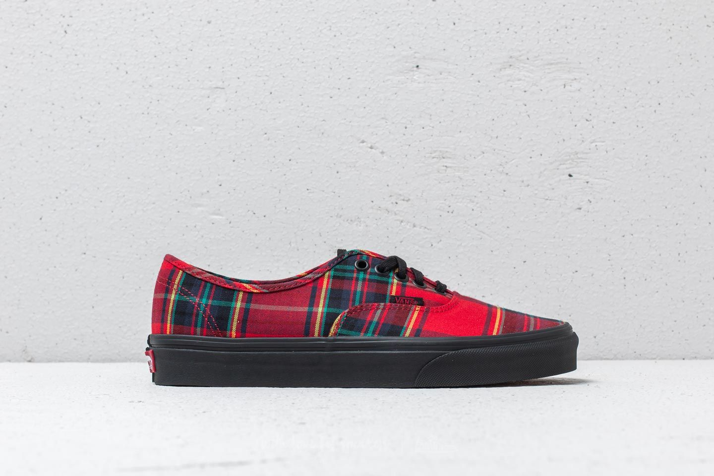 255564dcaf Vans Authentic (Plaid Mix) Red  Black at a great price 76 € buy