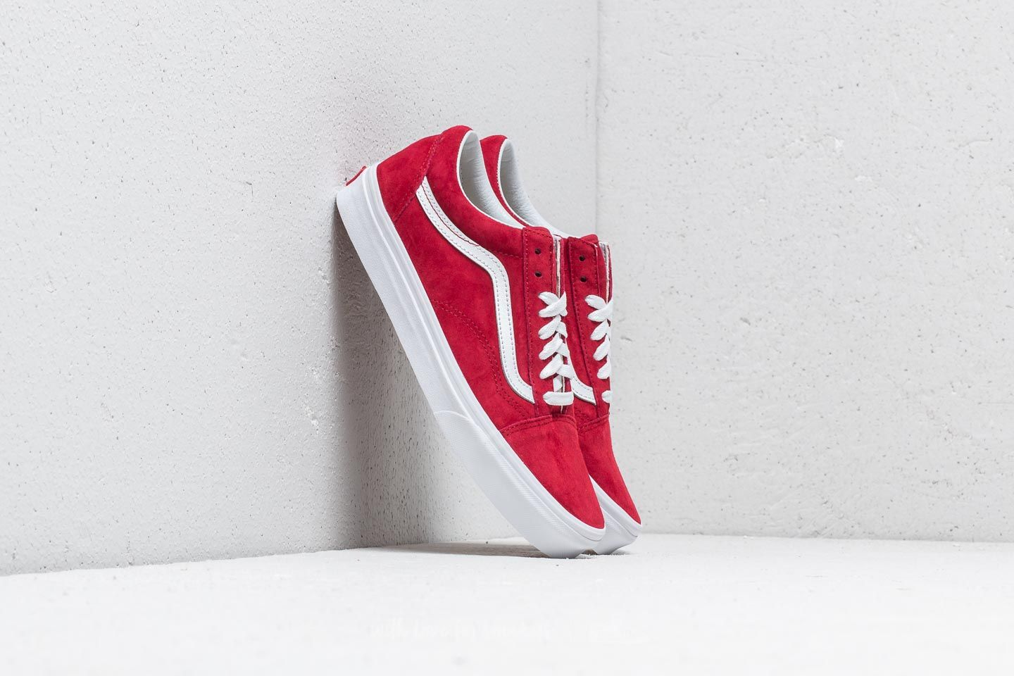 b8e71b965f Vans Old Skool (Pig Suede) Scooter  True White
