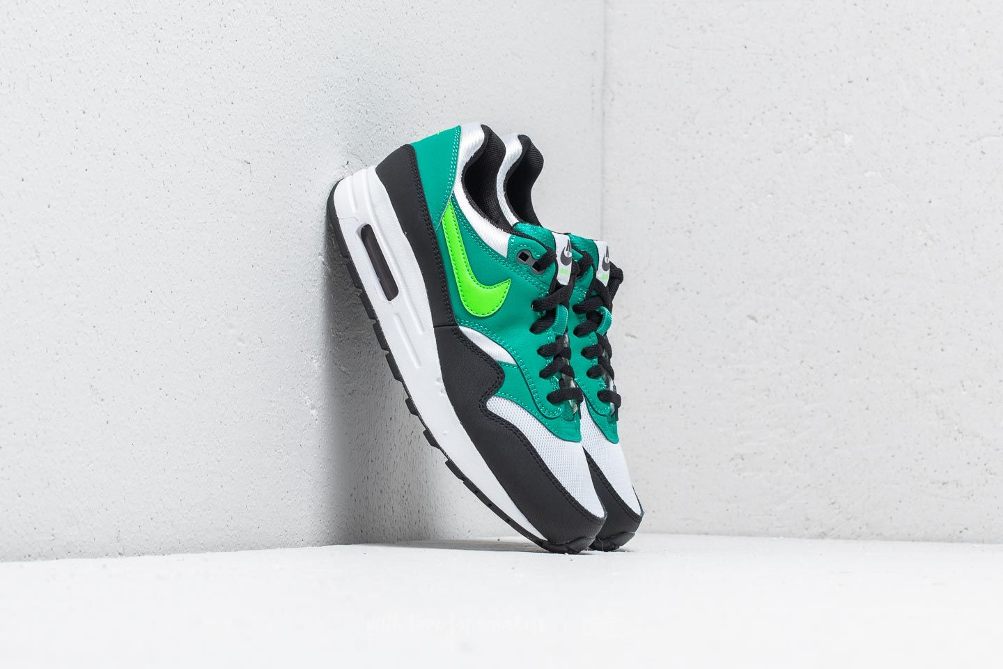 super popular 8e896 1f350 Nike Air Max 1 (GS) White  Green Strike at a great price 99