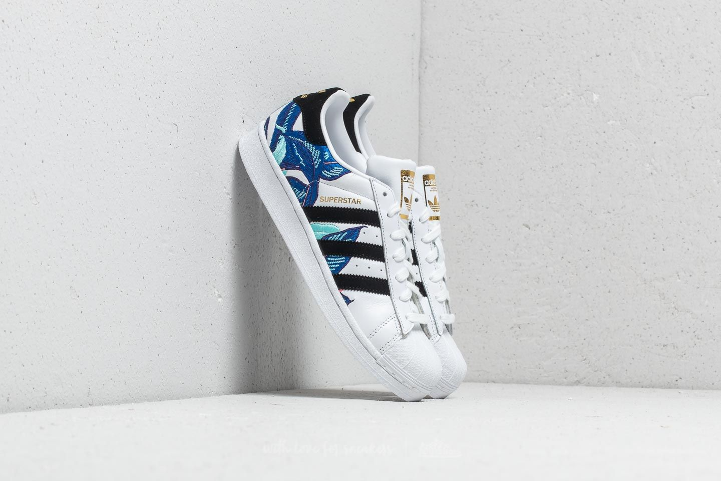 da1c2cd911d adidas Superstar W Ftw White/ Core Black/ Metallic Gold | Footshop