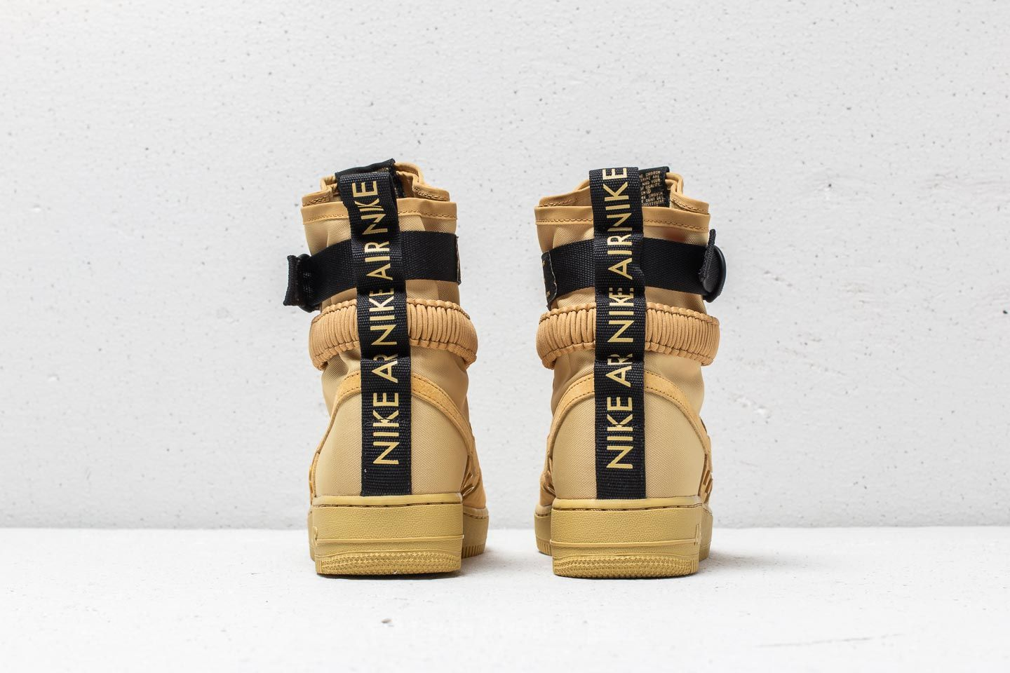 Chaussures et baskets homme Nike SF Air Force 1 Club Gold