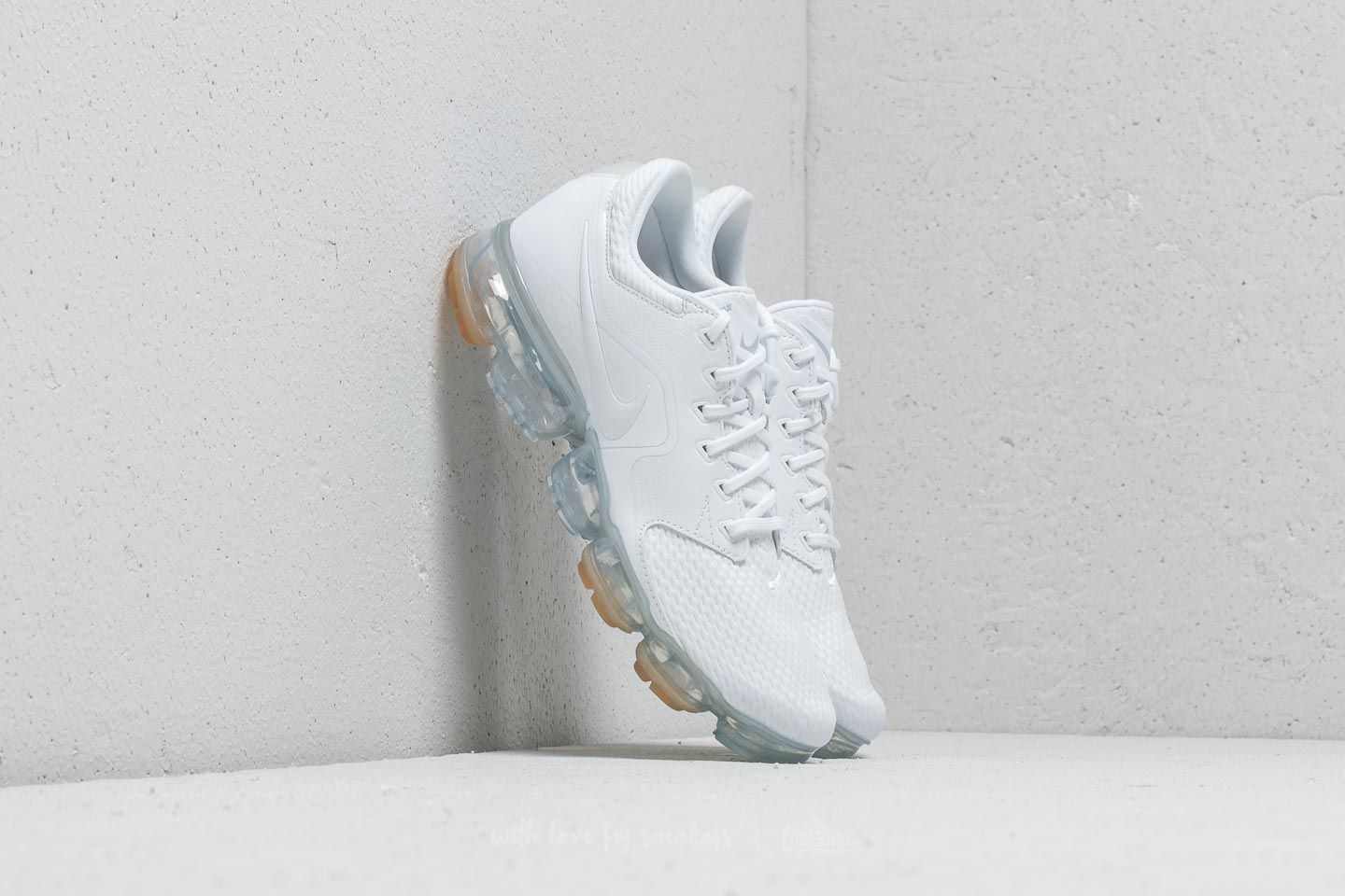 Nike Air Vapormax White  White-Metallic Silver at a great price £165 buy 29555b802