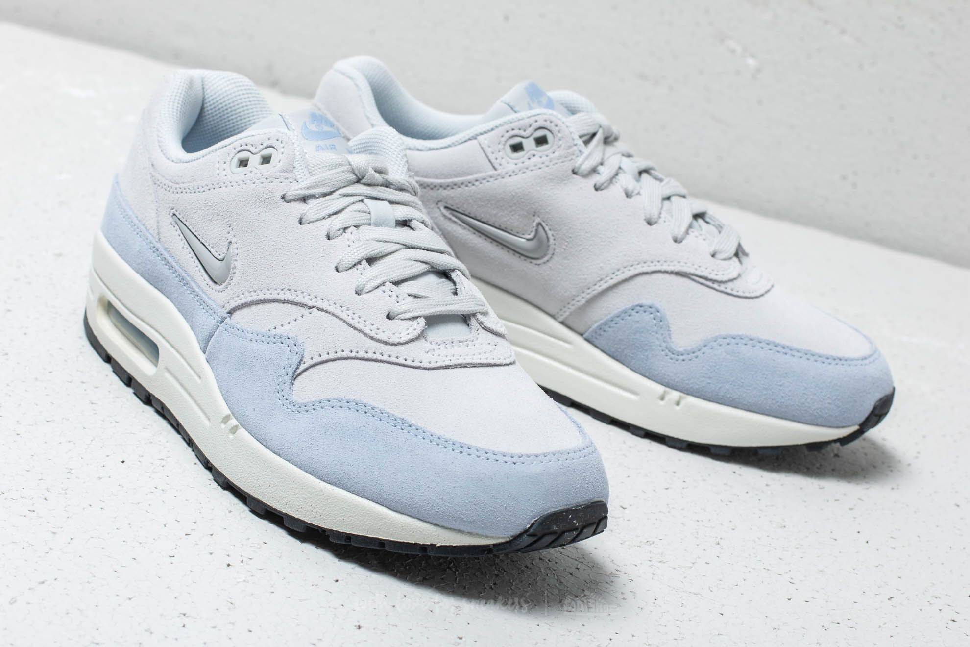 ... new zealand nike w air max 1 premium sc pure platinum metallic platinum  at a great b632fa4e3