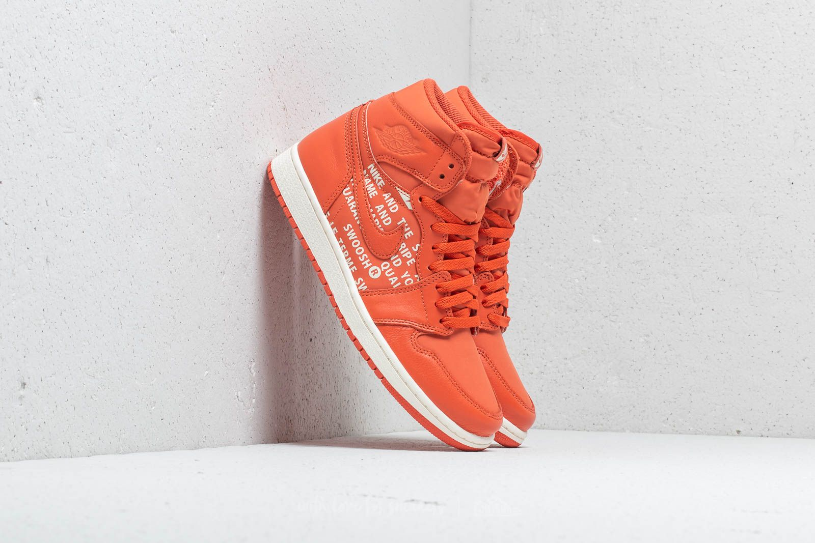 Air Jordan 1 Retro High OG Vintage Coral/ Sail