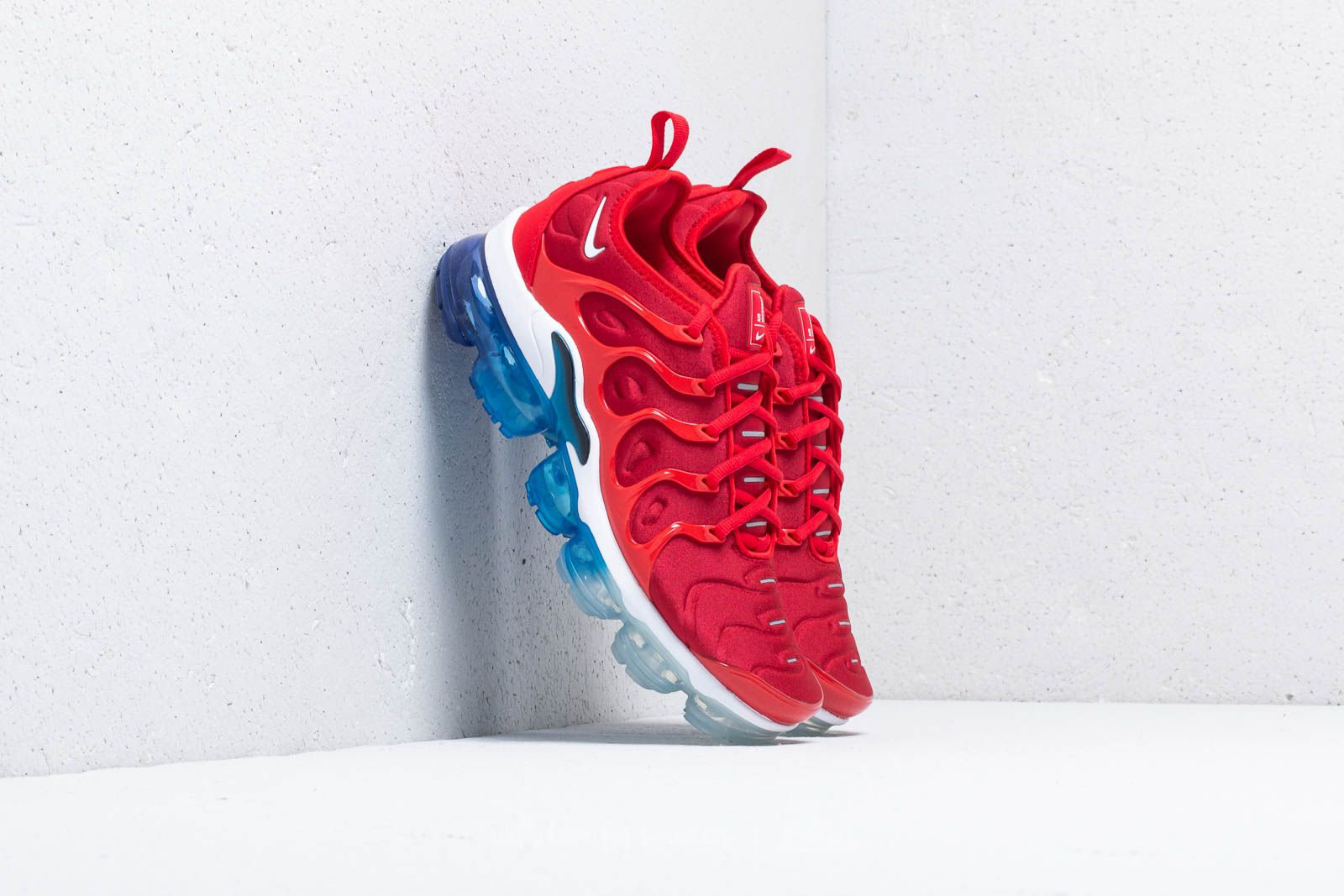 190a50e6a9b Nike Air Vapormax Plus University Red  White-Black