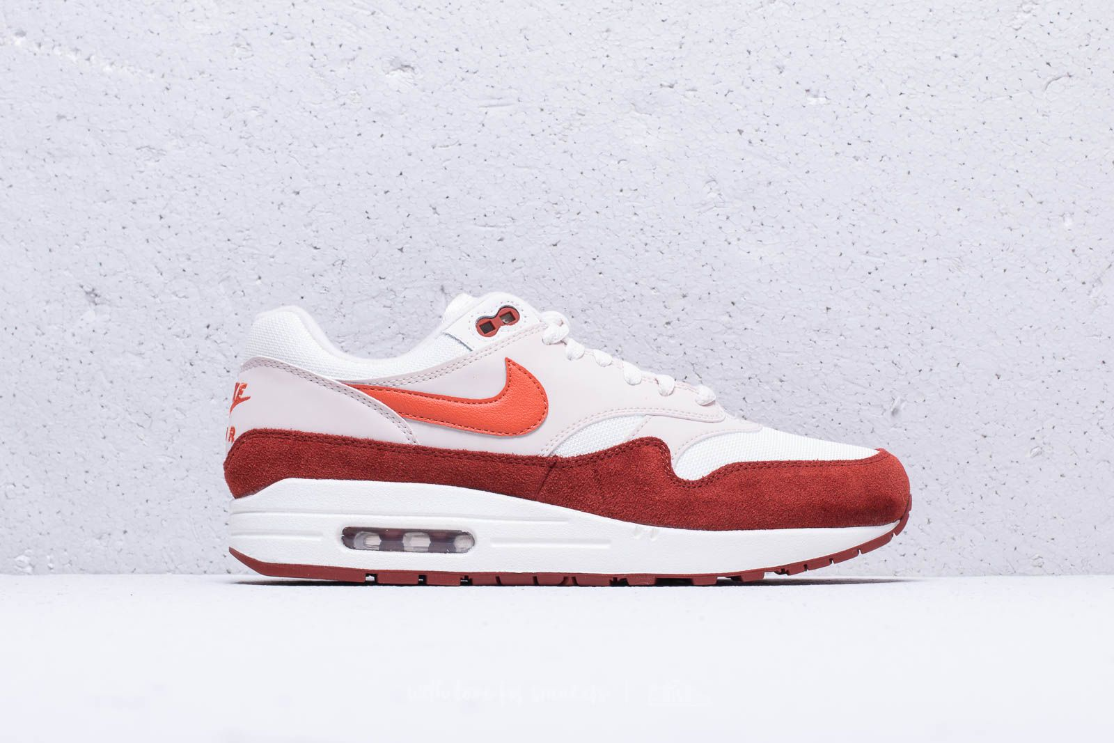 outlet store f2f47 1f554 Nike Air Max 1 Sail  Vintage Coral-Mars Stone at a great price £