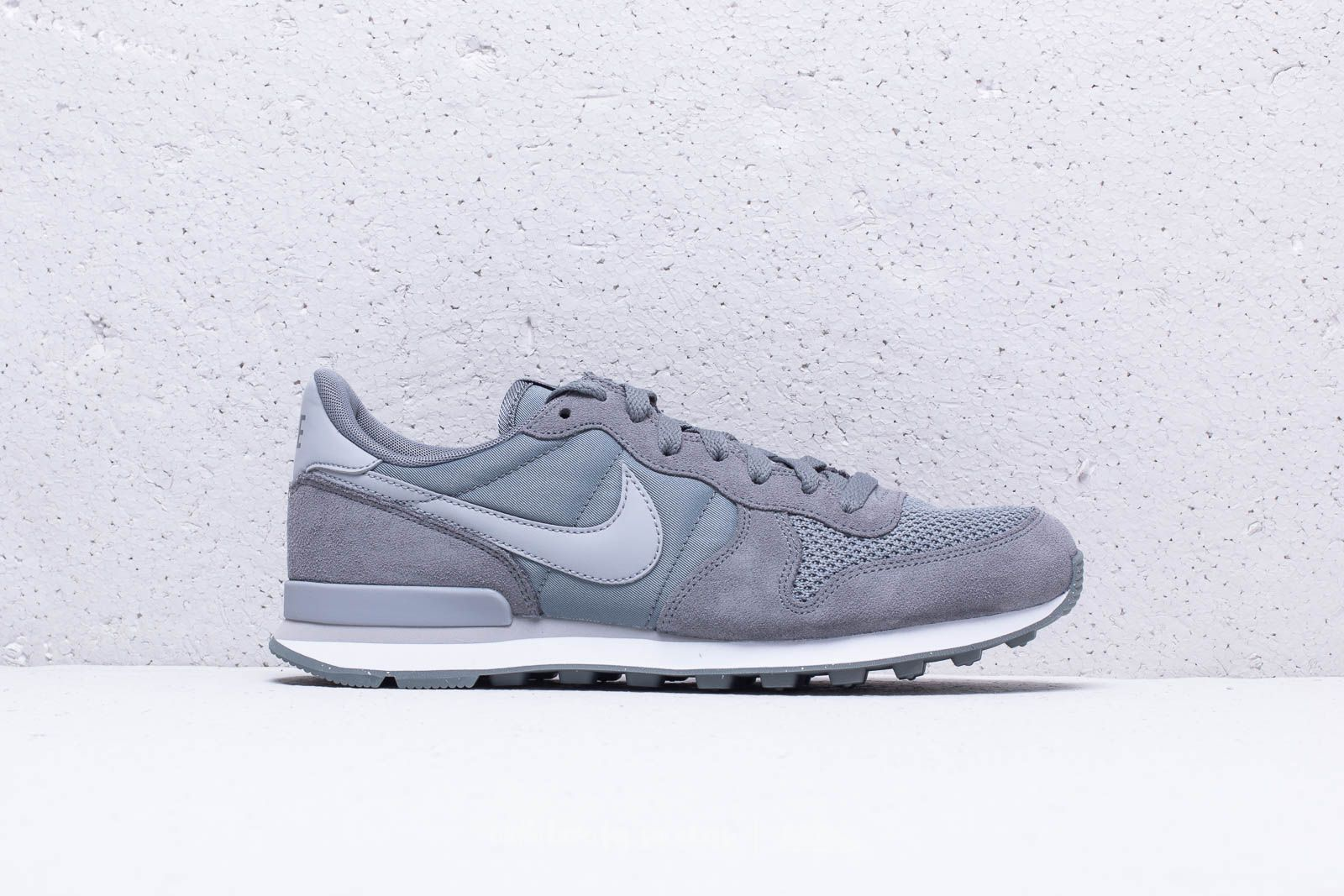Nike Internationalist SE Cool Grey  Wolf Grey-White at a great price £76 0bc5ccb04296