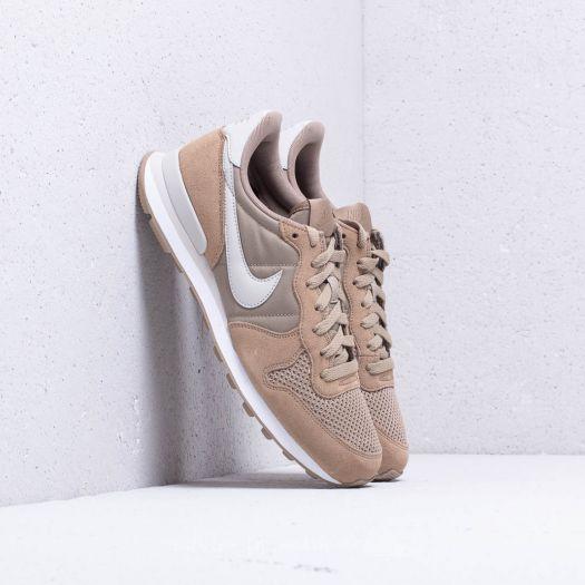 Nike Internationalist SE 045652e0d4