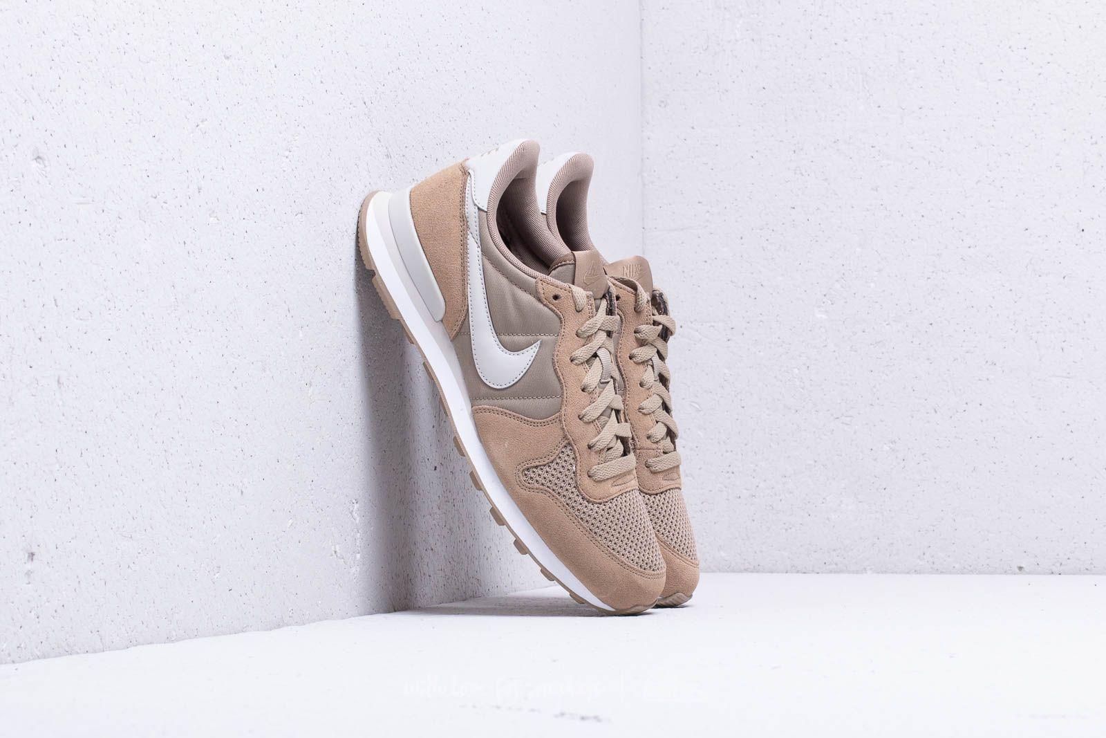 huge discount 08f35 5efe5 Nike Internationalist SE Khaki/ Light Bone-White | Footshop