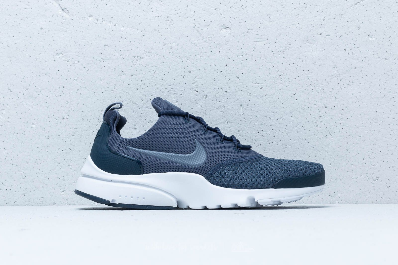 hot sale online f400f d3f5e Nike Presto Fly SE Thunder Blue  Light Carbon at a great price £95 buy