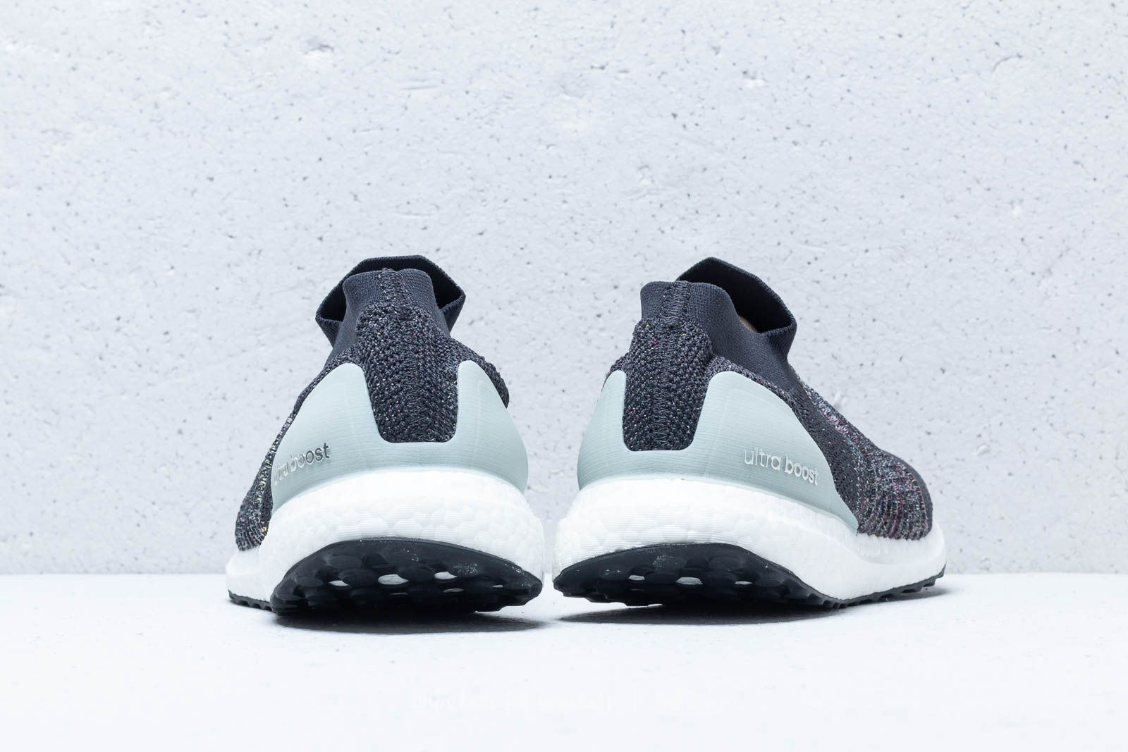 adidas UltraBOOST Laceless Carbon DGH Solid Grey Ash