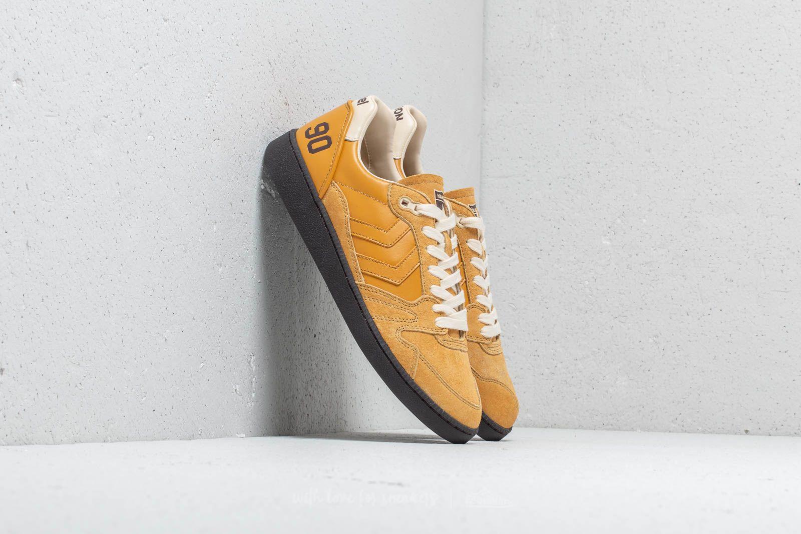 Hummel x Hanon HB Team Golden Yellow za skvělou cenu 1 310 Kč koupíte na Footshop.cz