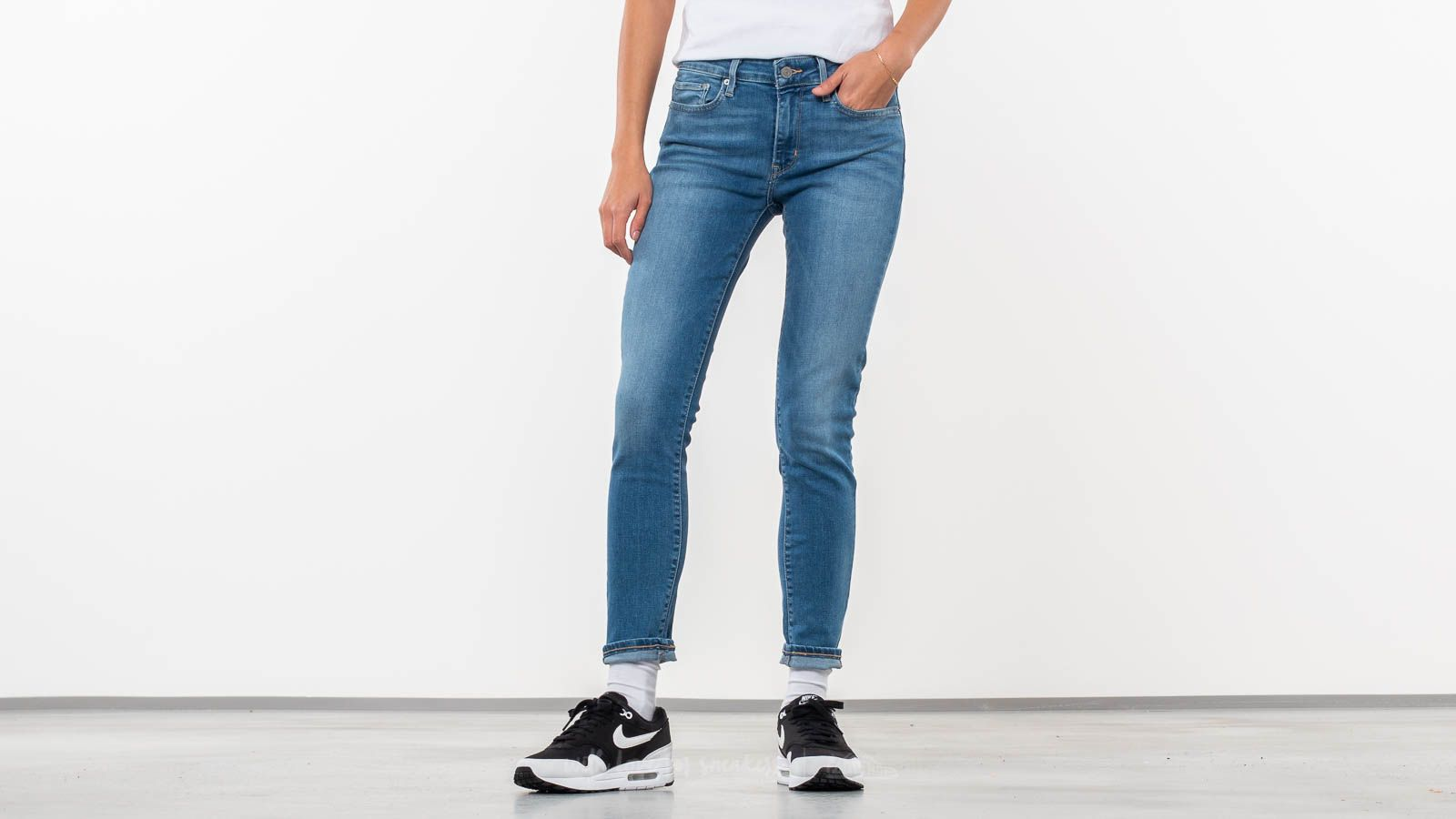 8276c53b7c46d Levi s® 711 Skinny Jeans All Play at a great price 59 € buy at Footshop