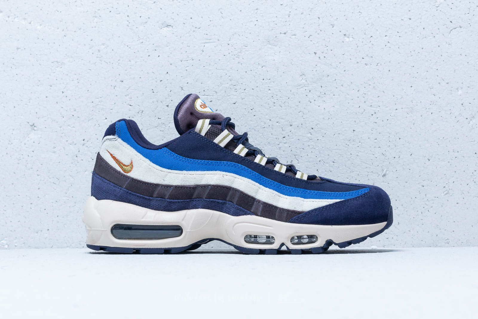 blue and white 95 air max Shop Clothing