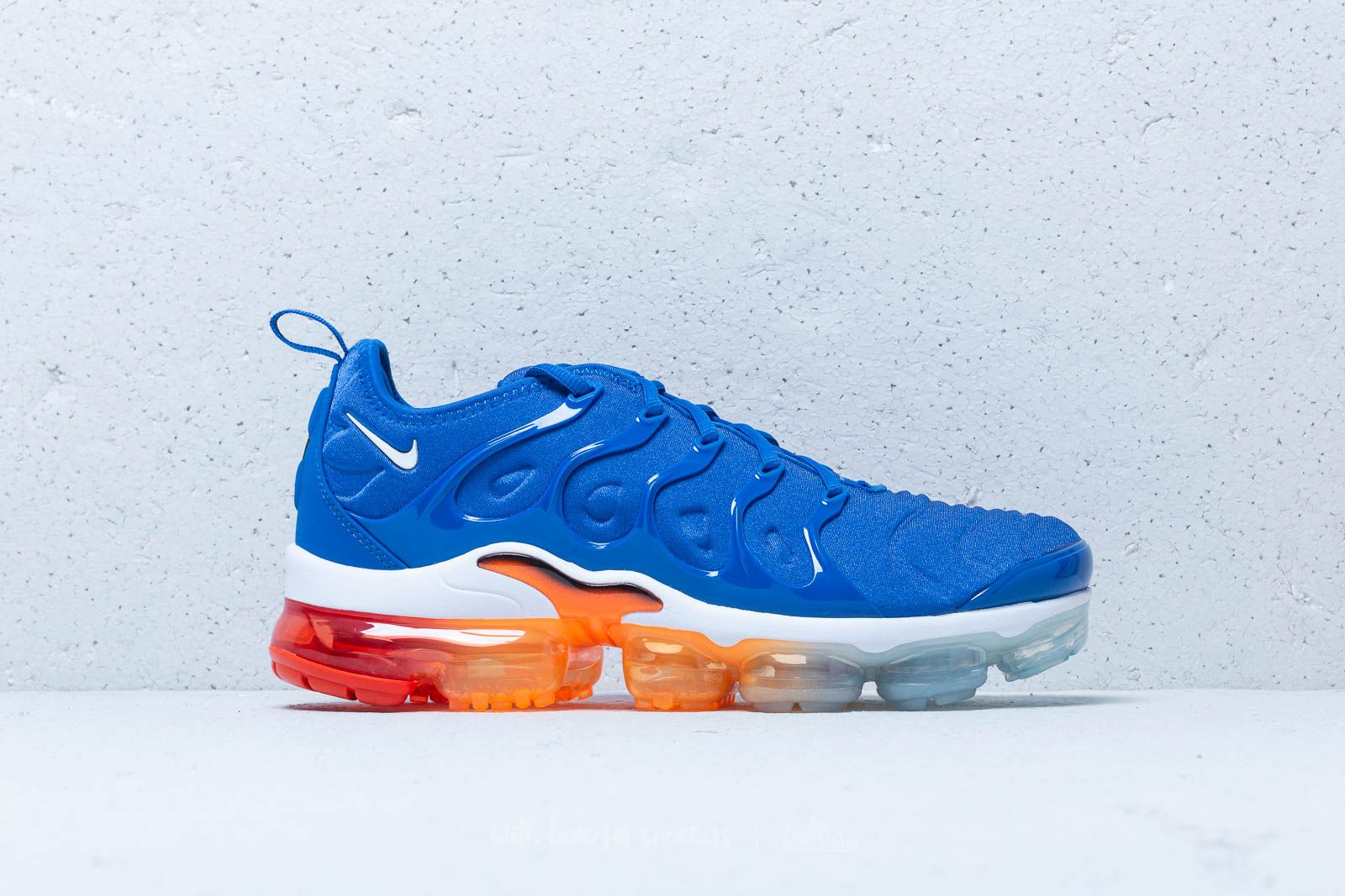 7a5a01c7131 Nike Air Vapormax Plus Game Royal  White-Black at a great price 209 €