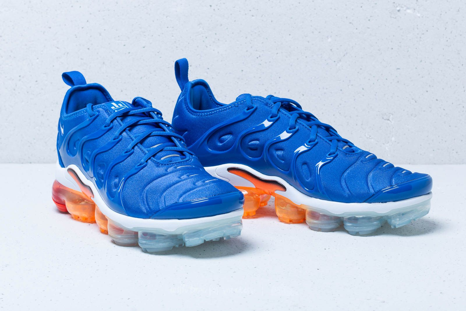 Nike Air Vapormax Plus Game Royal  White-Black at a great price 209 € 913648c6b485