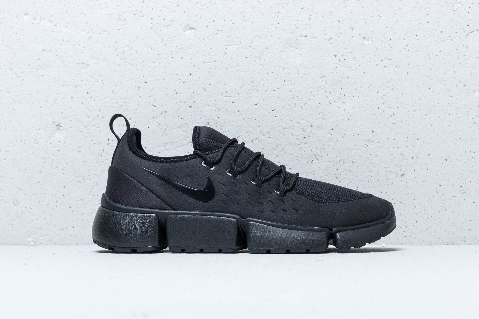 muerto Girar Montón de  Men's shoes Nike Pocket Fly DM Black/ Black-Black