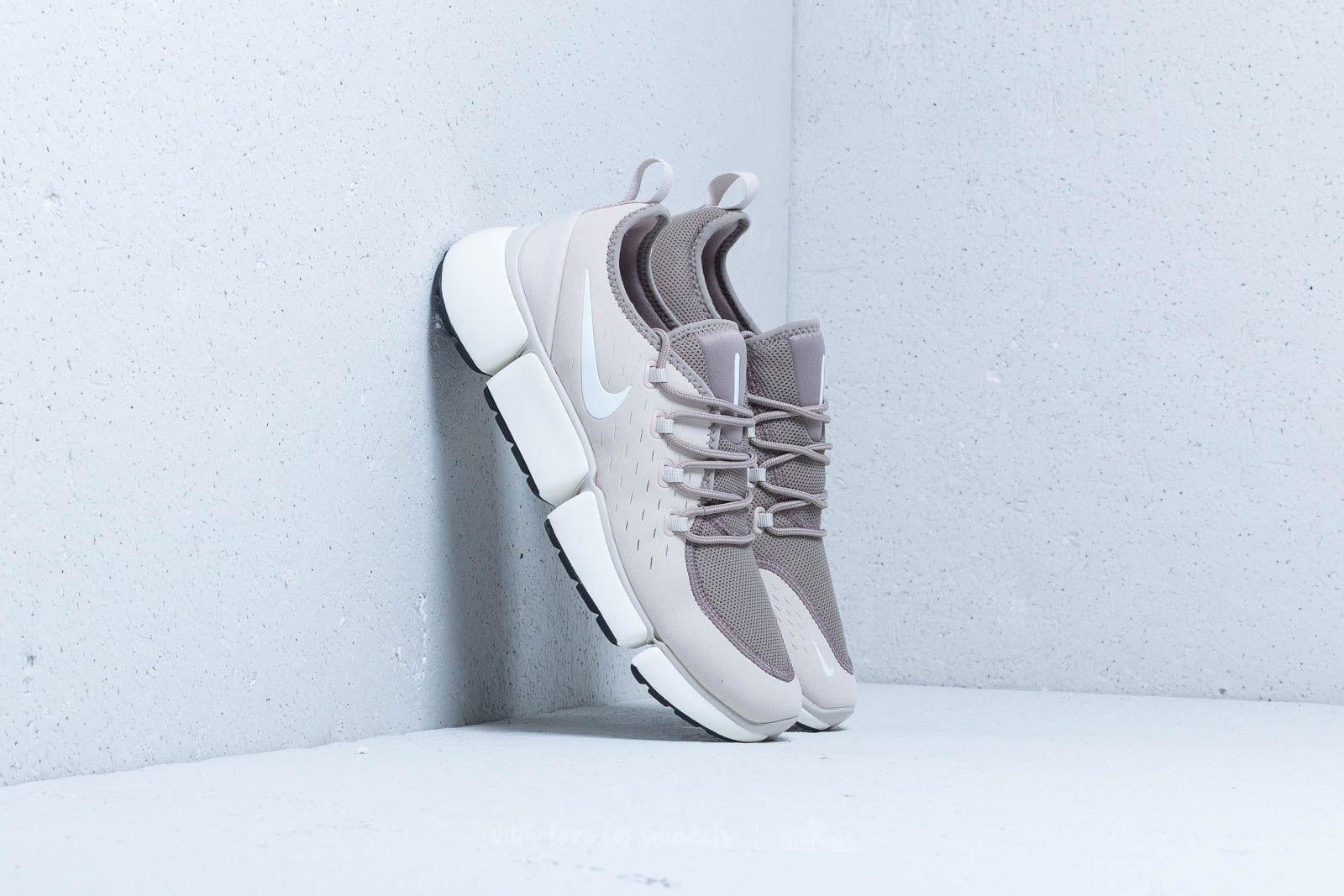 Nike Pocket Fly DM Desert Sand/ White-Sepia Stone za skvělou cenu 2 090 Kč koupíte na Footshop.cz