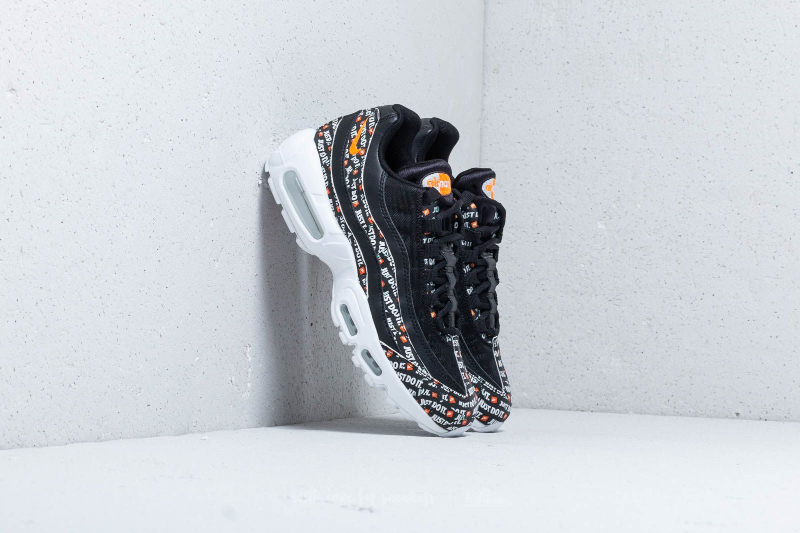 best website 88771 d424b Nike Air Max 95 SE Black  Black-White-Total Orange at a great
