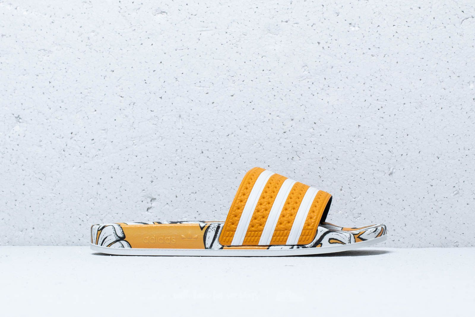 reputable site e8679 f5837 ... good texture adidas Adilette W Craft Gold Off White Craft Gold at a great  price 48 ...