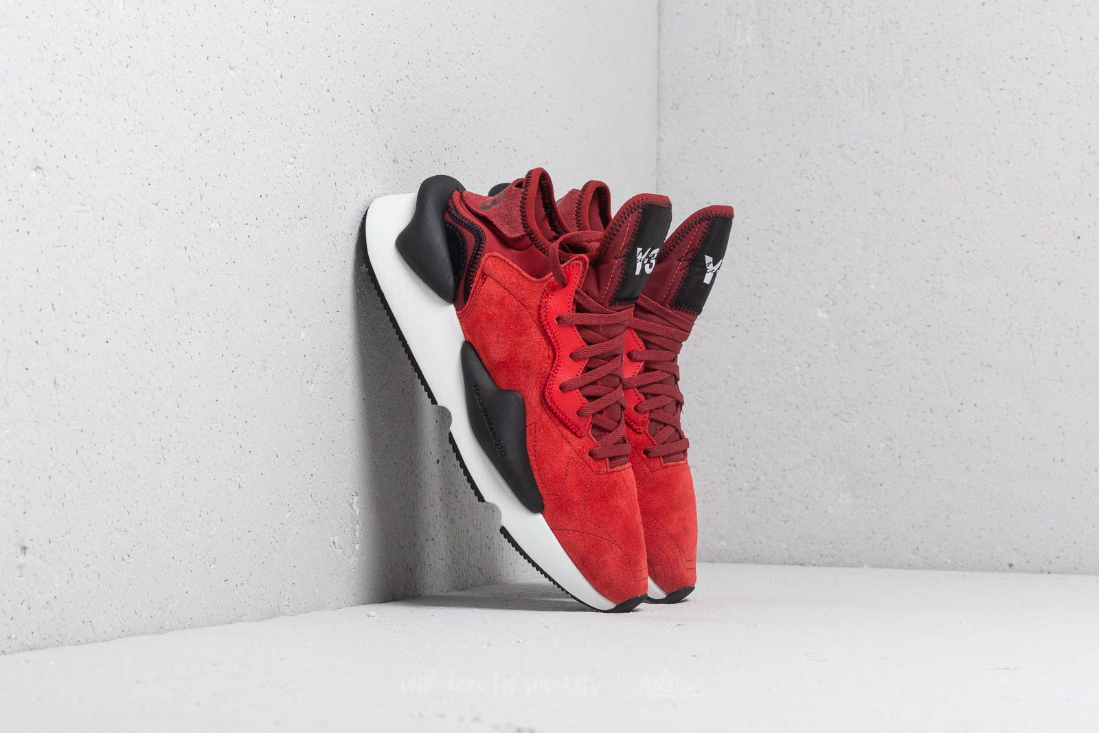 Y-3 Kaiwa Lush Red/ Lush Red/ Rust Red at a great price $387 buy at Footshop
