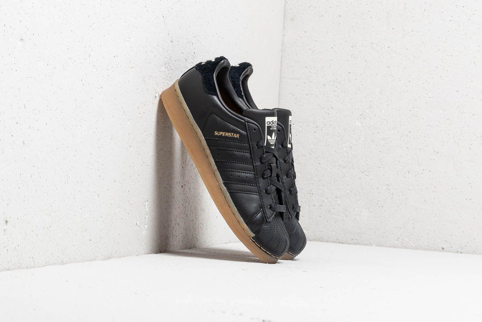 adidas Superstar W Core Black/ Core Black/ Gum4 za skvělou cenu 1 610 Kč koupíte na Footshop.cz