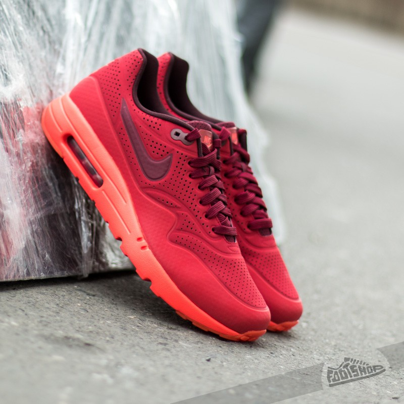 quality design 8e721 15ce5 Nike Air Max 1 Ultra Moire Gym Red Team Red University Red