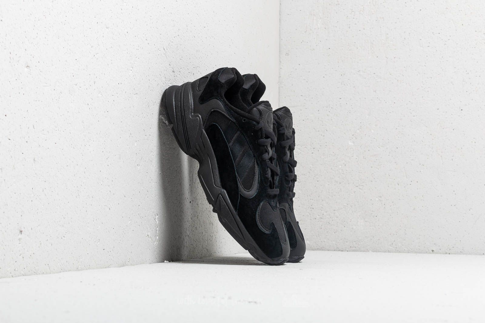 adidas YUNG-1 Core Black  Core Black  Carbon at a great price 117 76fdf2316