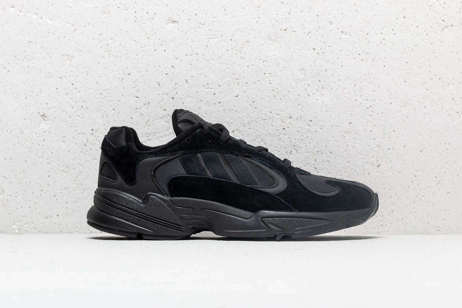 adidas YUNG-1 Core Black  Core Black  Carbon at a great price £ 50511189c