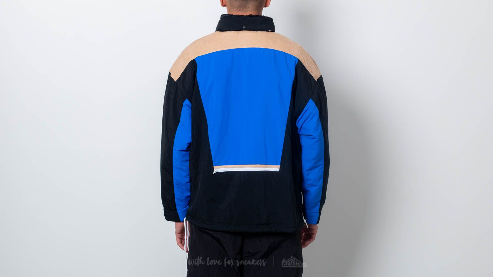 19d9e5689cb Reebok Classics Vector Unisex Anorak Jacket Black  Blue at a great price   172 buy at