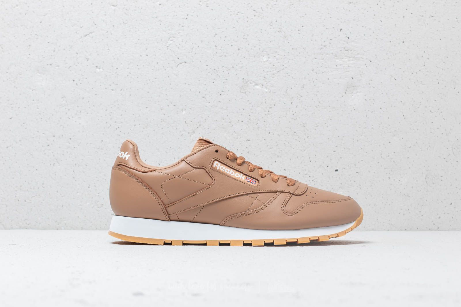 94878749c228 Reebok CL Leather MU Soft Camel  White  Gum at a great price 64 €