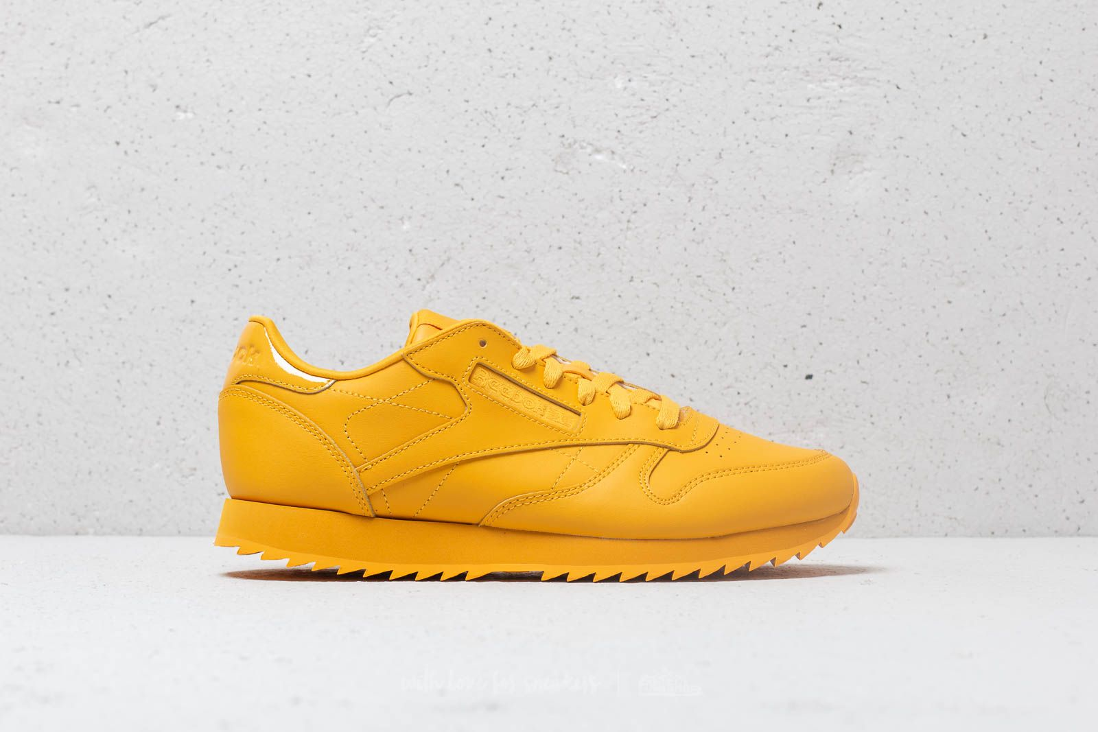 a8258482ec1fd Reebok CL Lthr Ripple Fierce Gold at a great price 52 € buy at Footshop