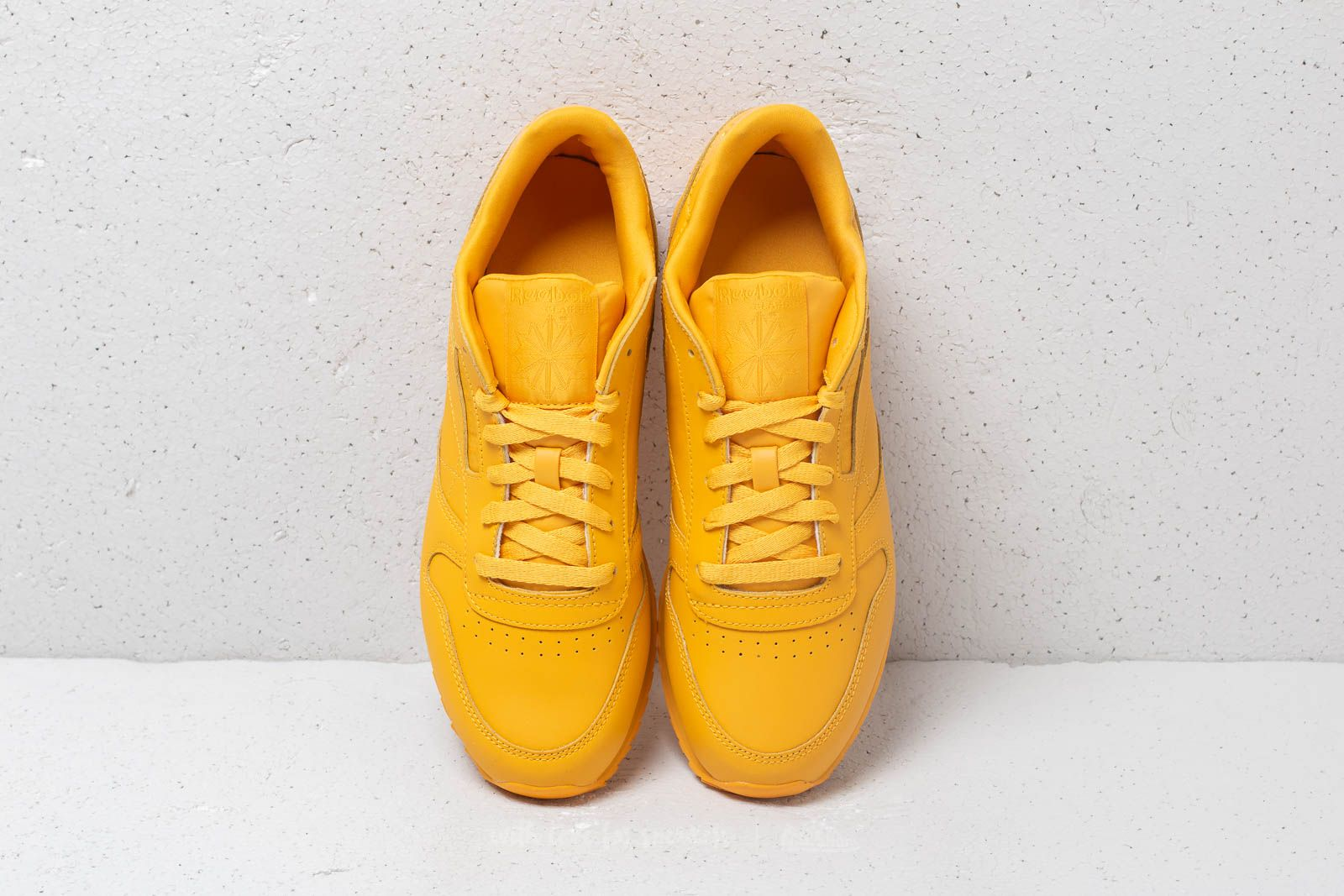 ece7591e39cf3d Reebok CL Lthr Ripple Fierce Gold at a great price 52 € buy at Footshop