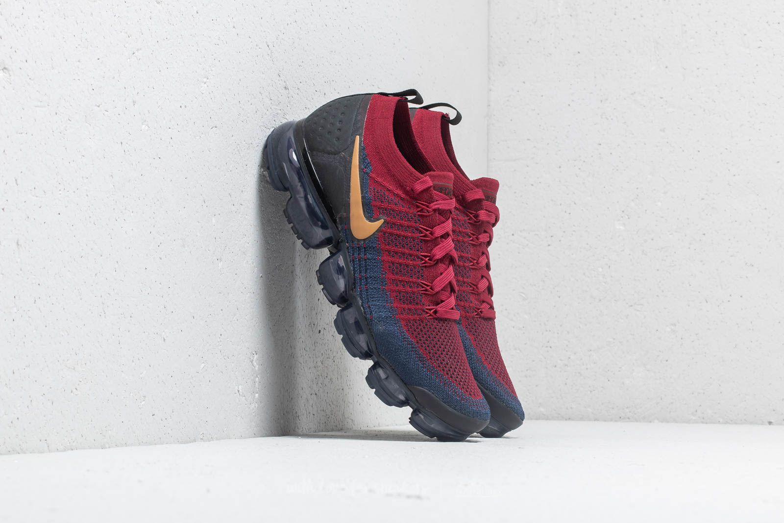 481ce8506a2c Nike Air Vapormax Flyknit 2 Team Red  Wheat-Obsidian-Black ...