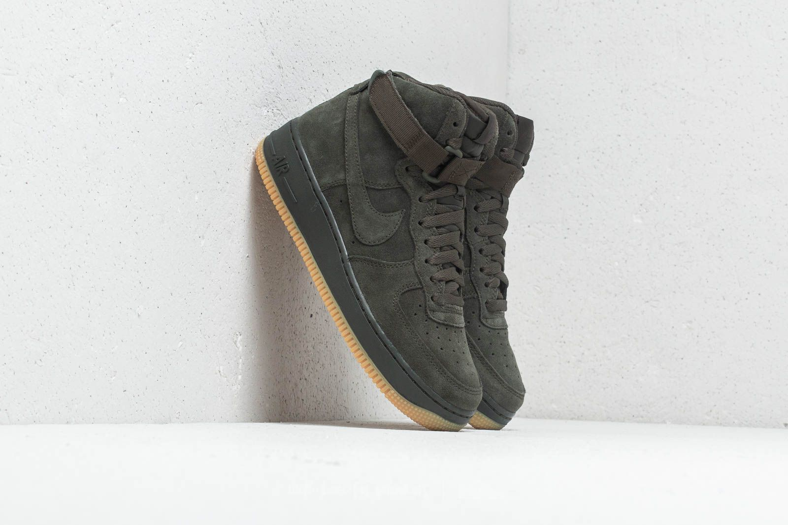 64299369a7faf4 Nike Air Force 1 High LV8 (GS) Sequoia at a great price 109 €