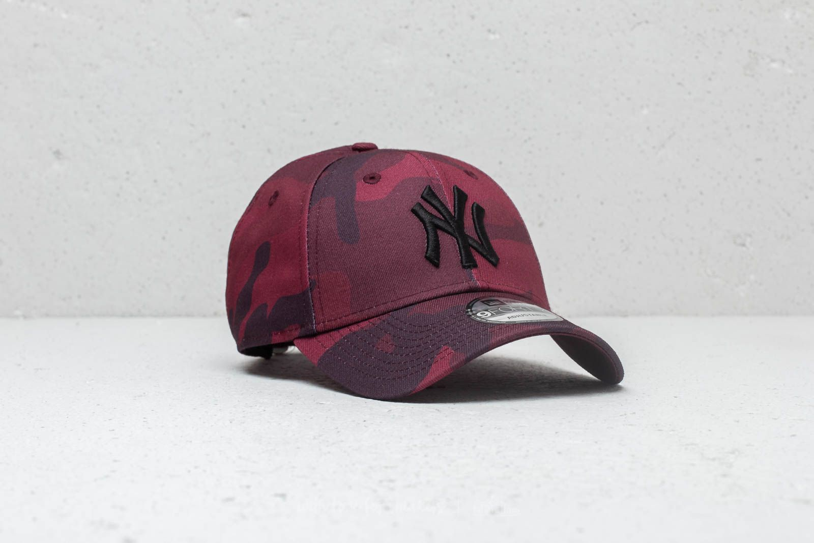 00e4eea2178645 New Era 9Forty MLB New York Yankees Cap Red Camo | Footshop