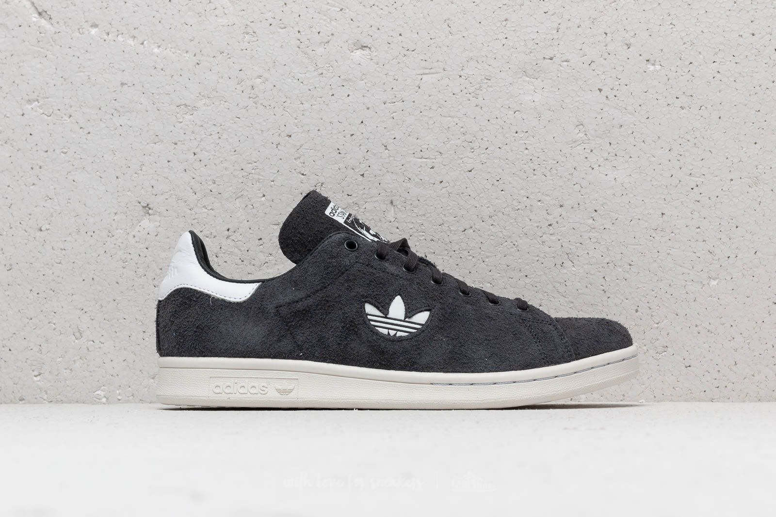 adidas Stan Smith Carbon  Ftw White  Crystal White at a great price £67 926691ee8f