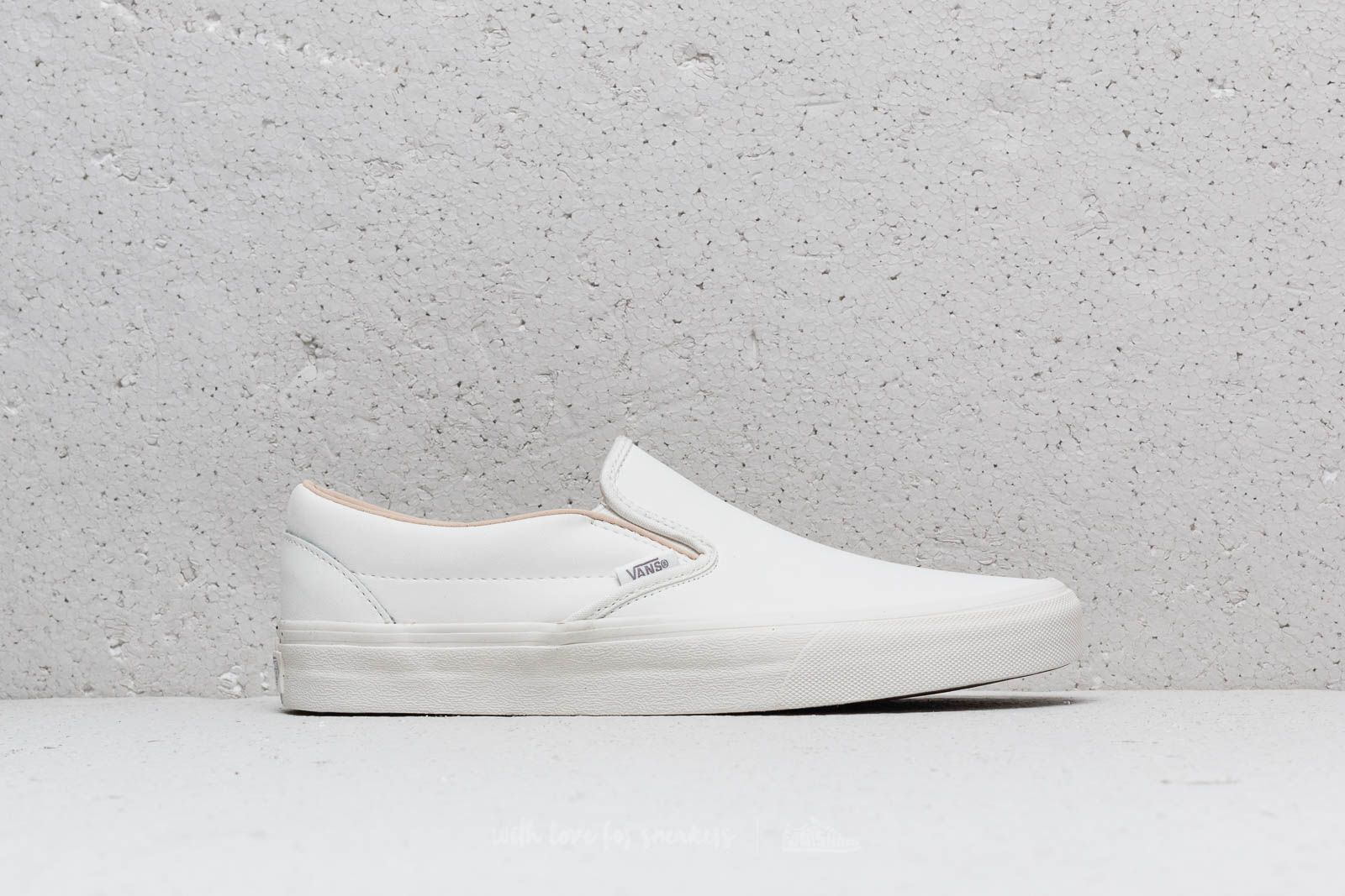 900dcdca9b83c5 Vans Classic Slip-On (Vansbuck) Blanc de Blanc at a great price 81