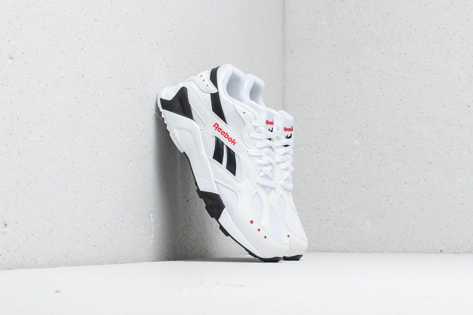4a946f6e6275 Reebok Aztrek Unisex White  Black  Excellent Red at a great price 99 € buy