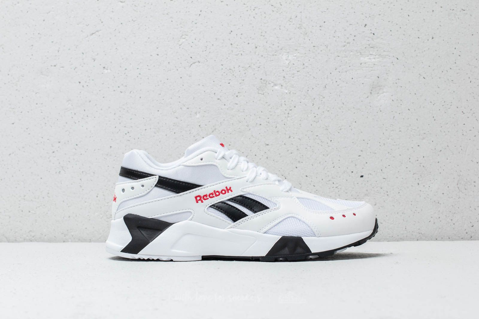 fd29a3dd625029 Reebok Aztrek Unisex White  Black  Excellent Red at a great price 99 € buy