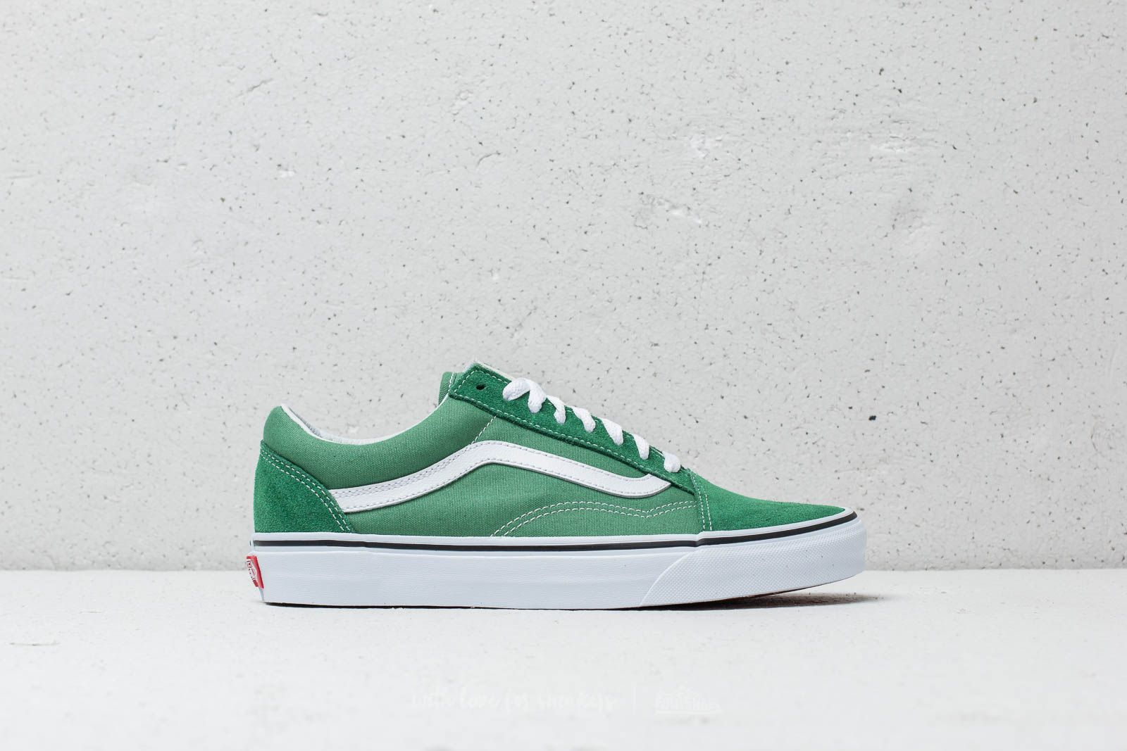 3dbe9126045 Vans Old Skool Deep Grass Green  True White at a great price 66 € buy