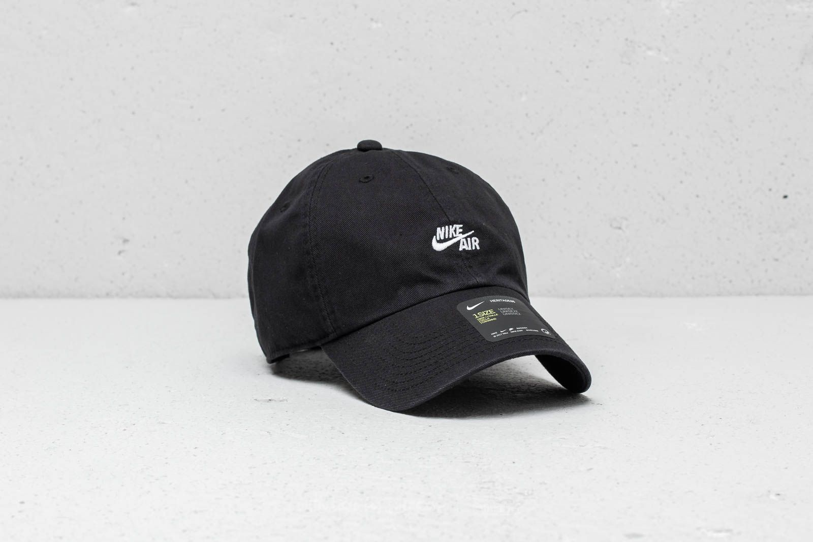 549ecca6a0a Nike Air H86 Cap Black at a great price 24 € buy at Footshop