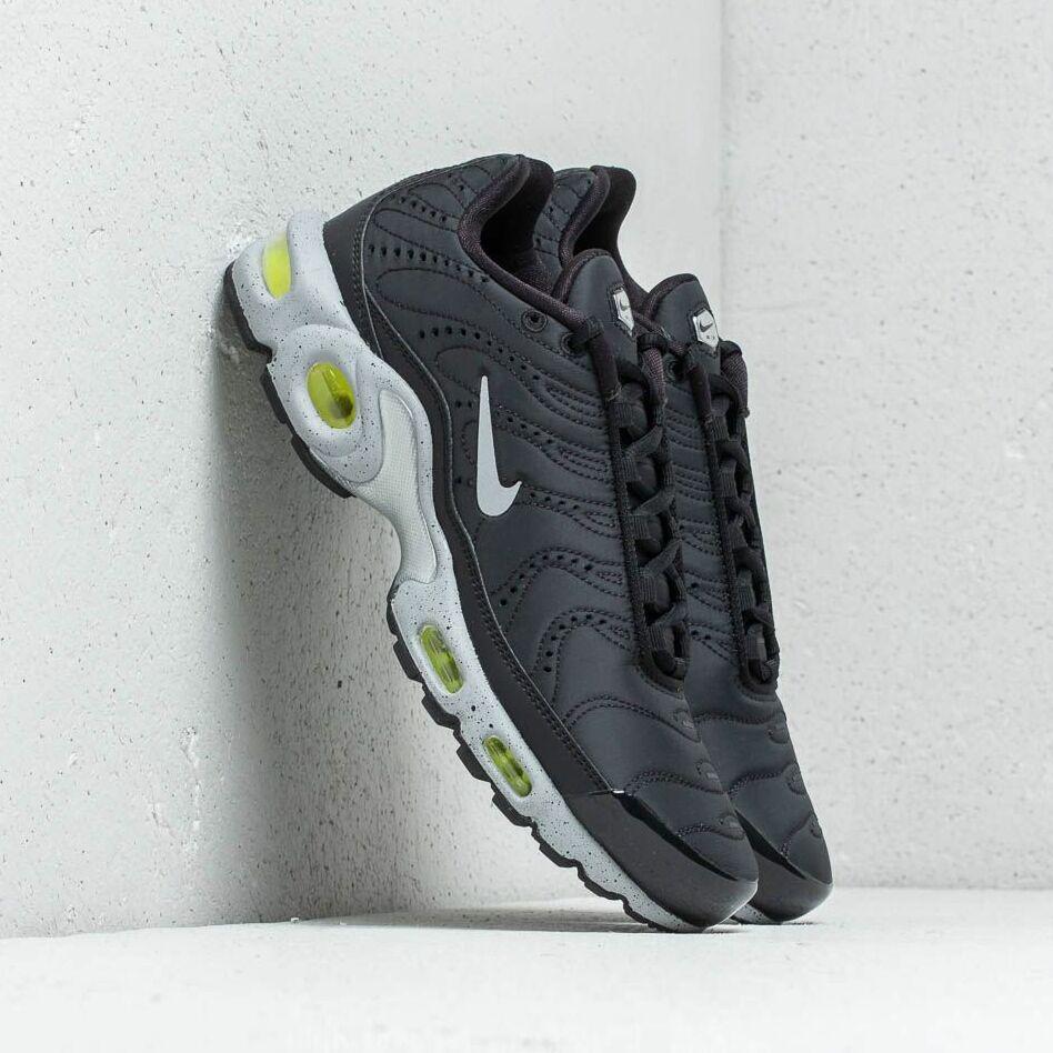 Nike Air Max Plus Premium Black/ Matte Silver-Volt EUR 42.5