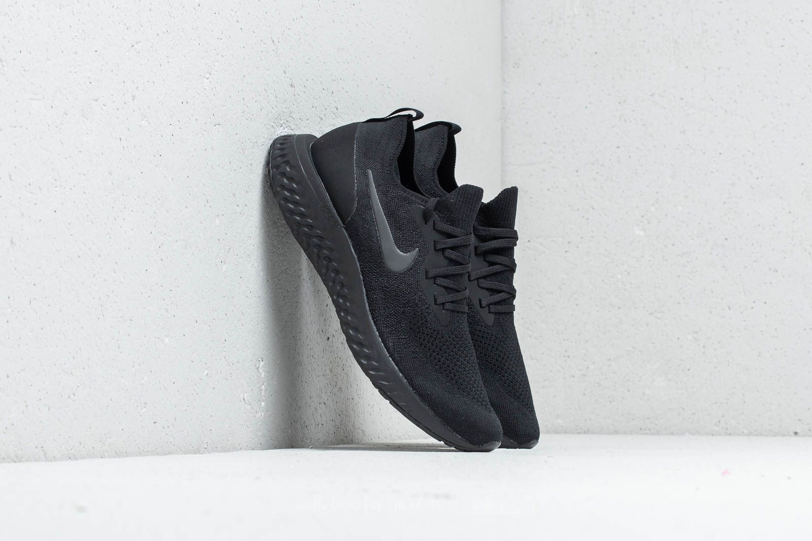 Nike Wmns Epic React Flyknit Black/ Black-Black at a great price 147 € buy at Footshop