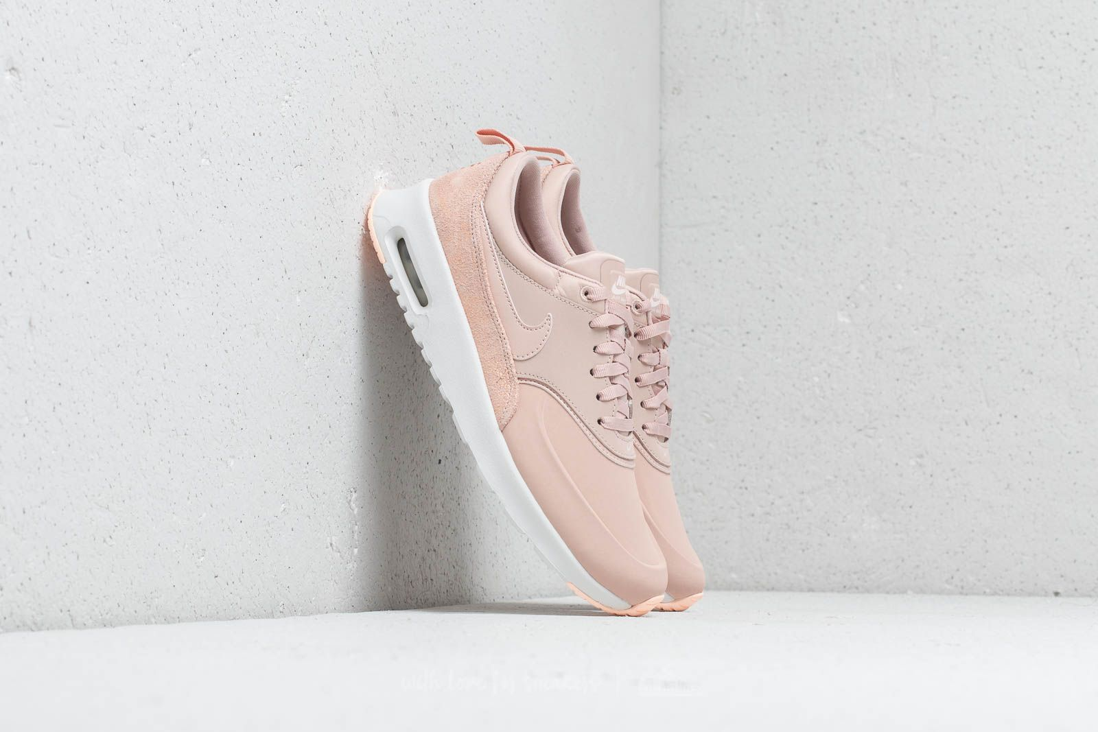 2422a544a28c Nike Wmns Air Max Thea Premium Particle Beige  Particle Beige at a great  price £