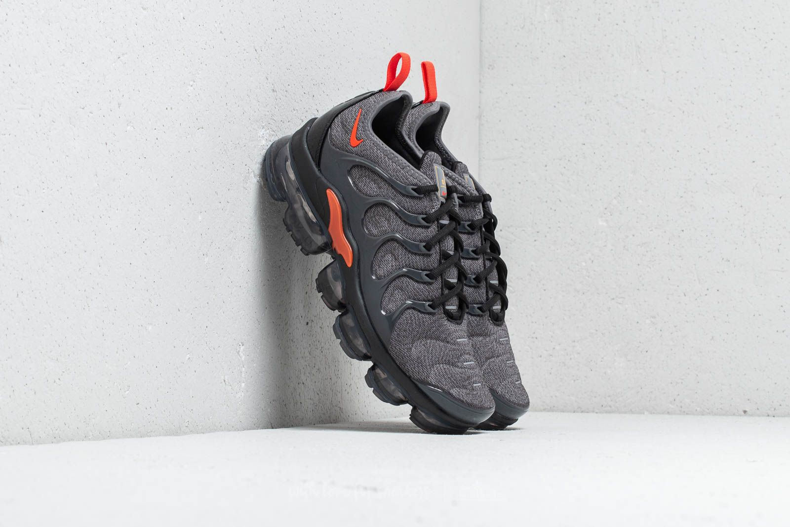 new style 5d231 a5c5e Nike Air Vapormax Plus Cool Grey/ Team Orange at a great price 209 € buy