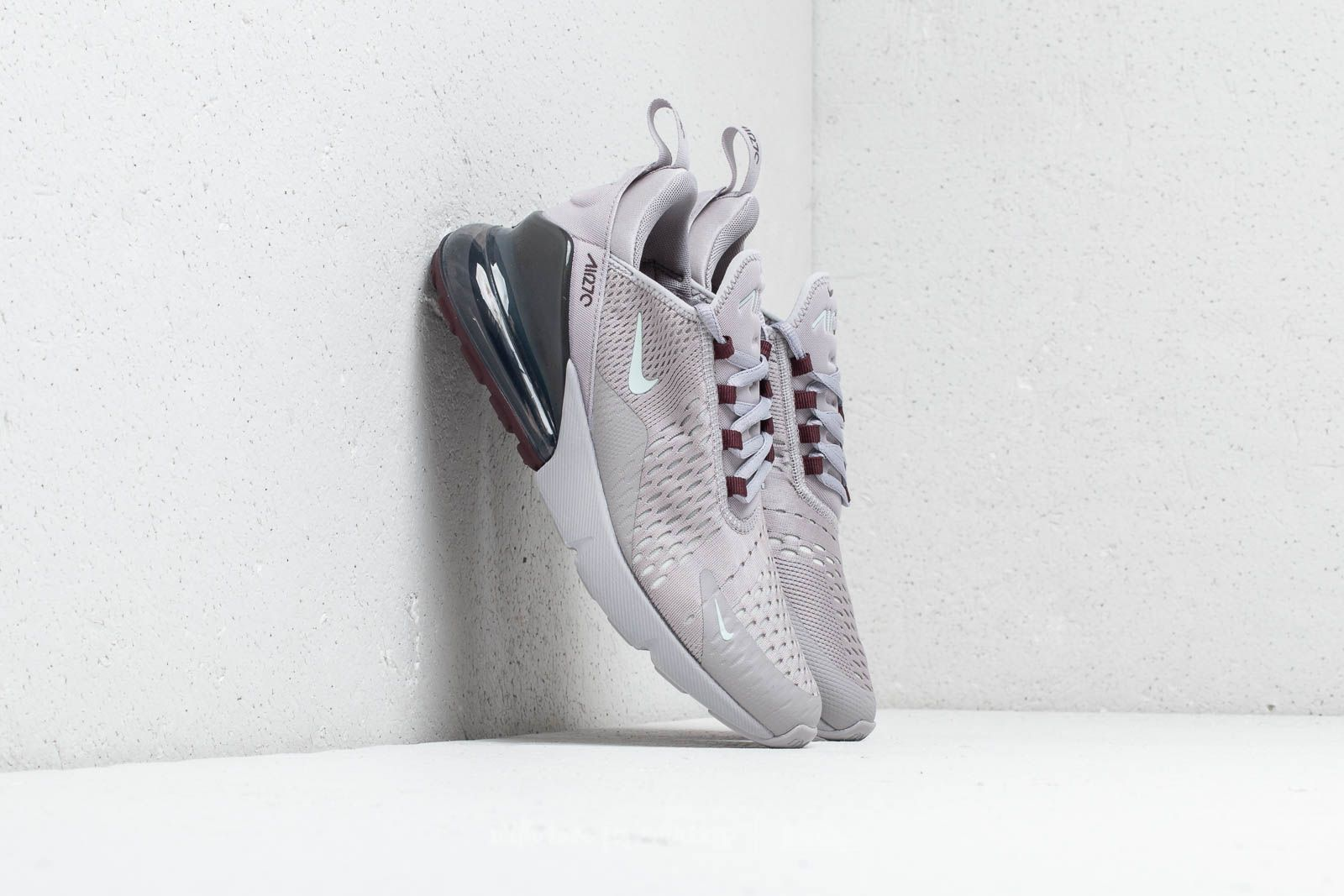 Nike Air Max 270 Atmosphere Grey  Light Silver at a great price 147 € buy 64671a22a