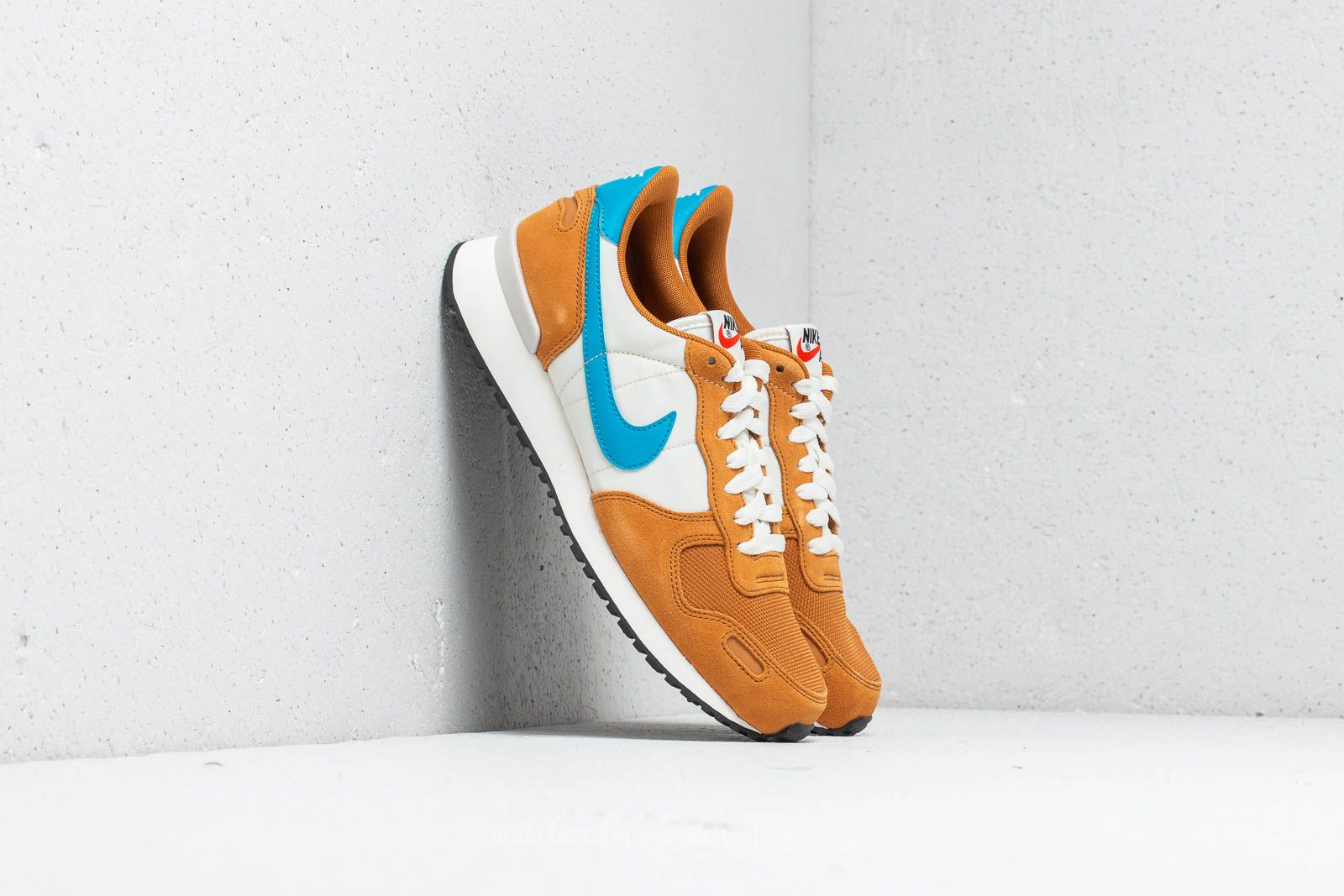 check out 969d6 3821a Nike Air Vortex Desert Ochre  Blue Orbit at a great price 88 € buy at